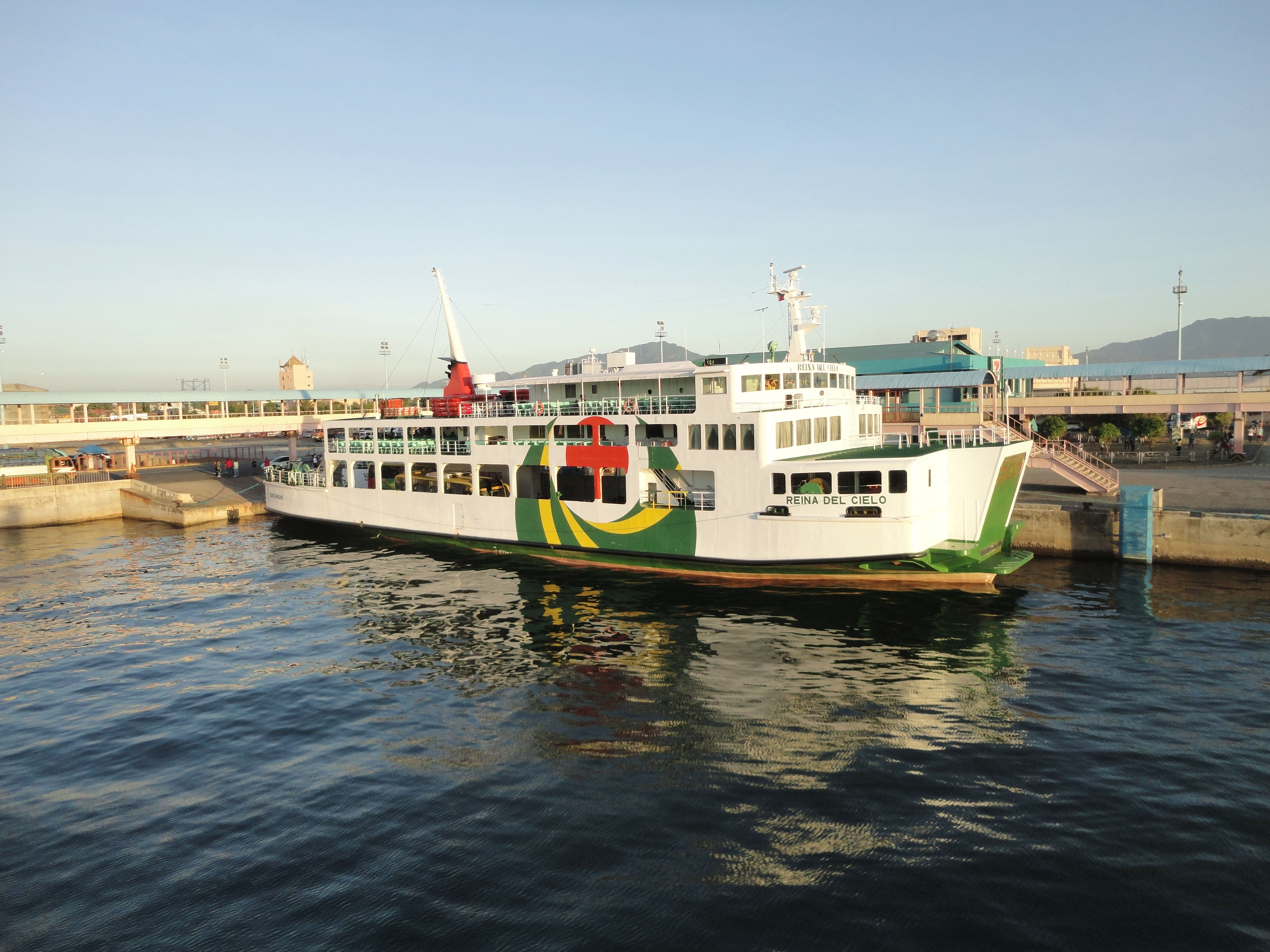 MV Reina Del Cielo Montenegro lines Batangus Pier Philippines 02