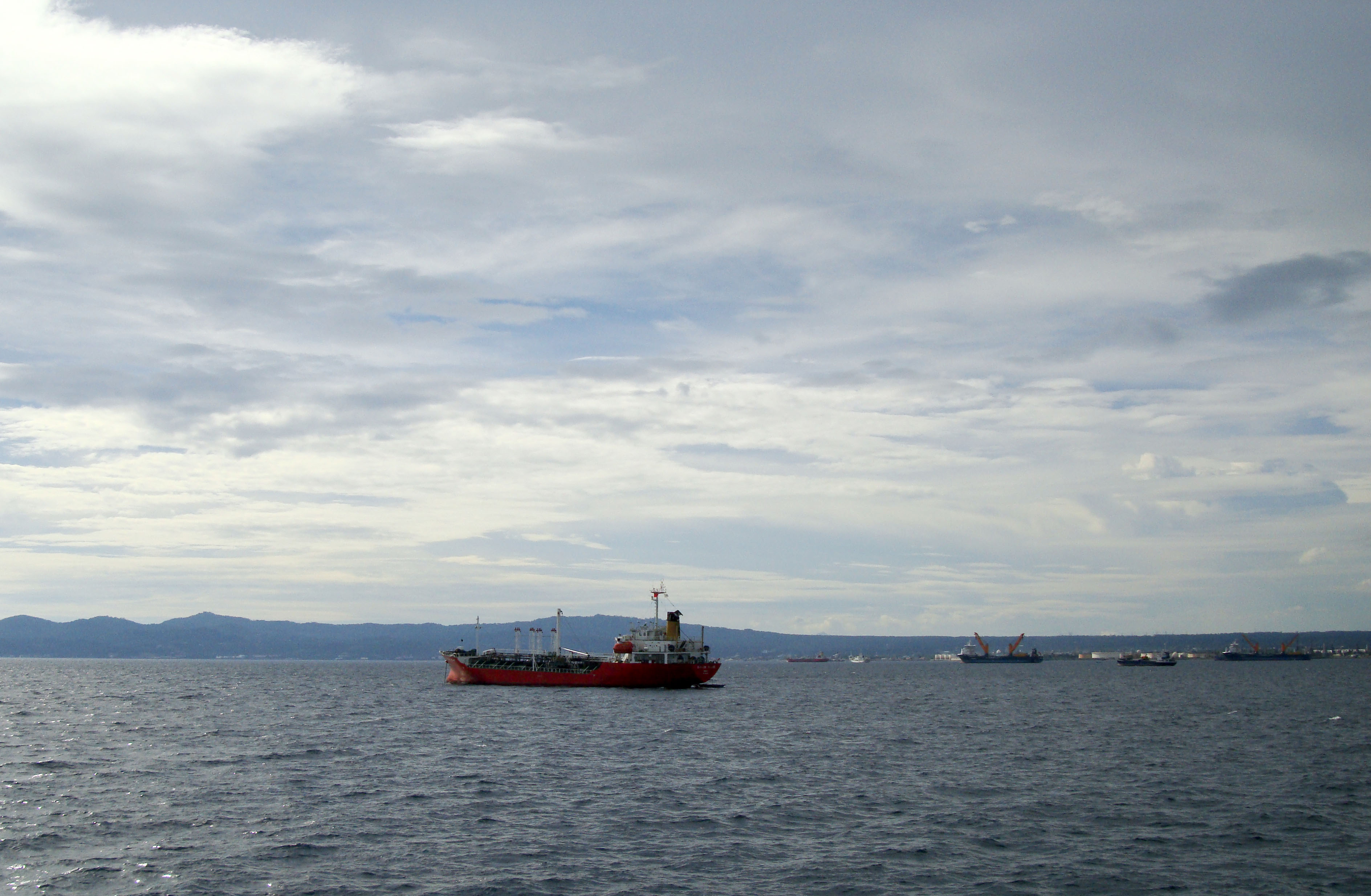 MV Sumilon Island Batangus Philppines 2010 05