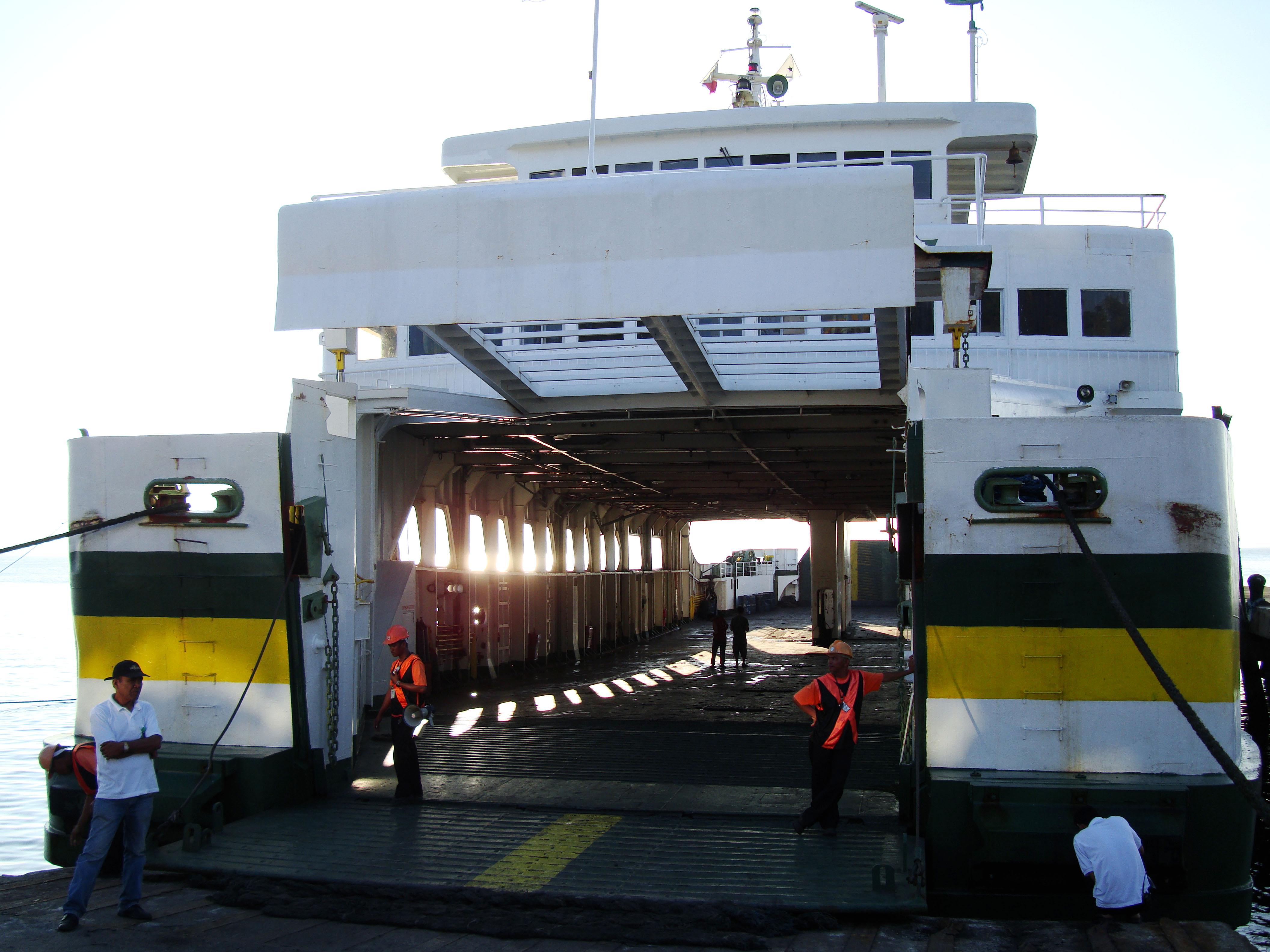 Montenegro lines Batangus Pier Philippines car ferry 01
