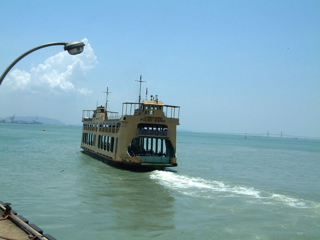 Penang Ferry Pulau Kapas Mar 2001 02