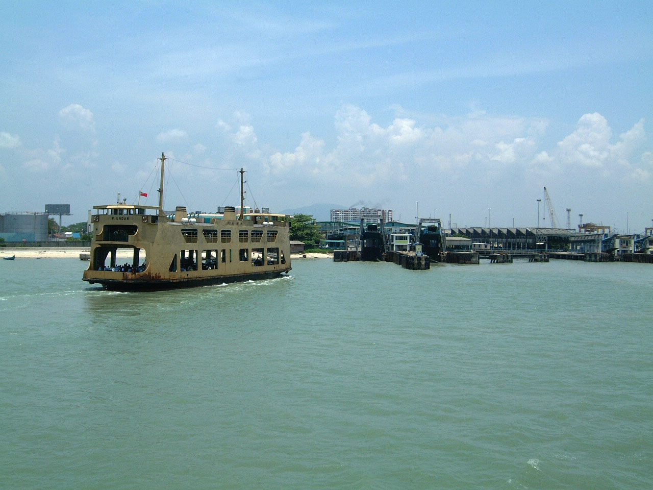 Penang Ferry Pulau Undan docking Butterworth jetty Mar 2001 02