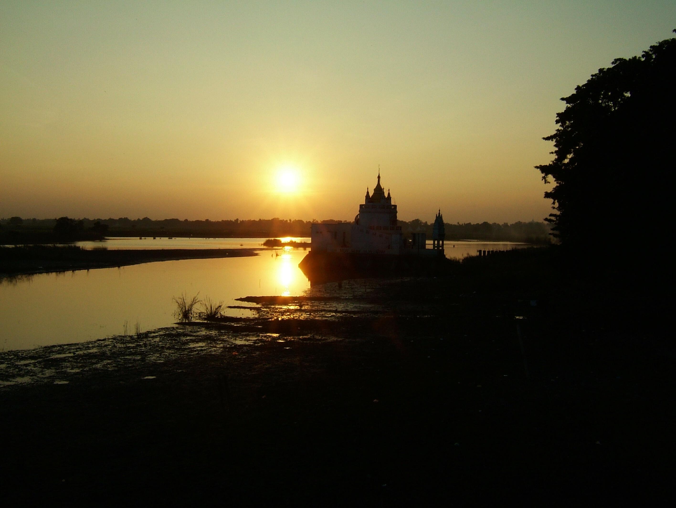 Sunset Myanmar Amarapura Mandalay 01