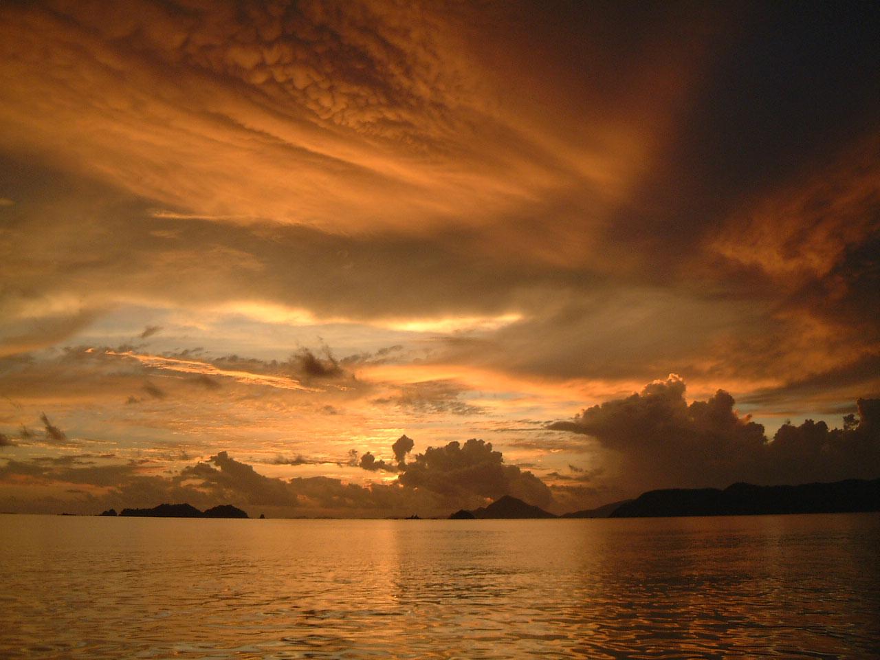 Sunset Philippines Club Paradise 04