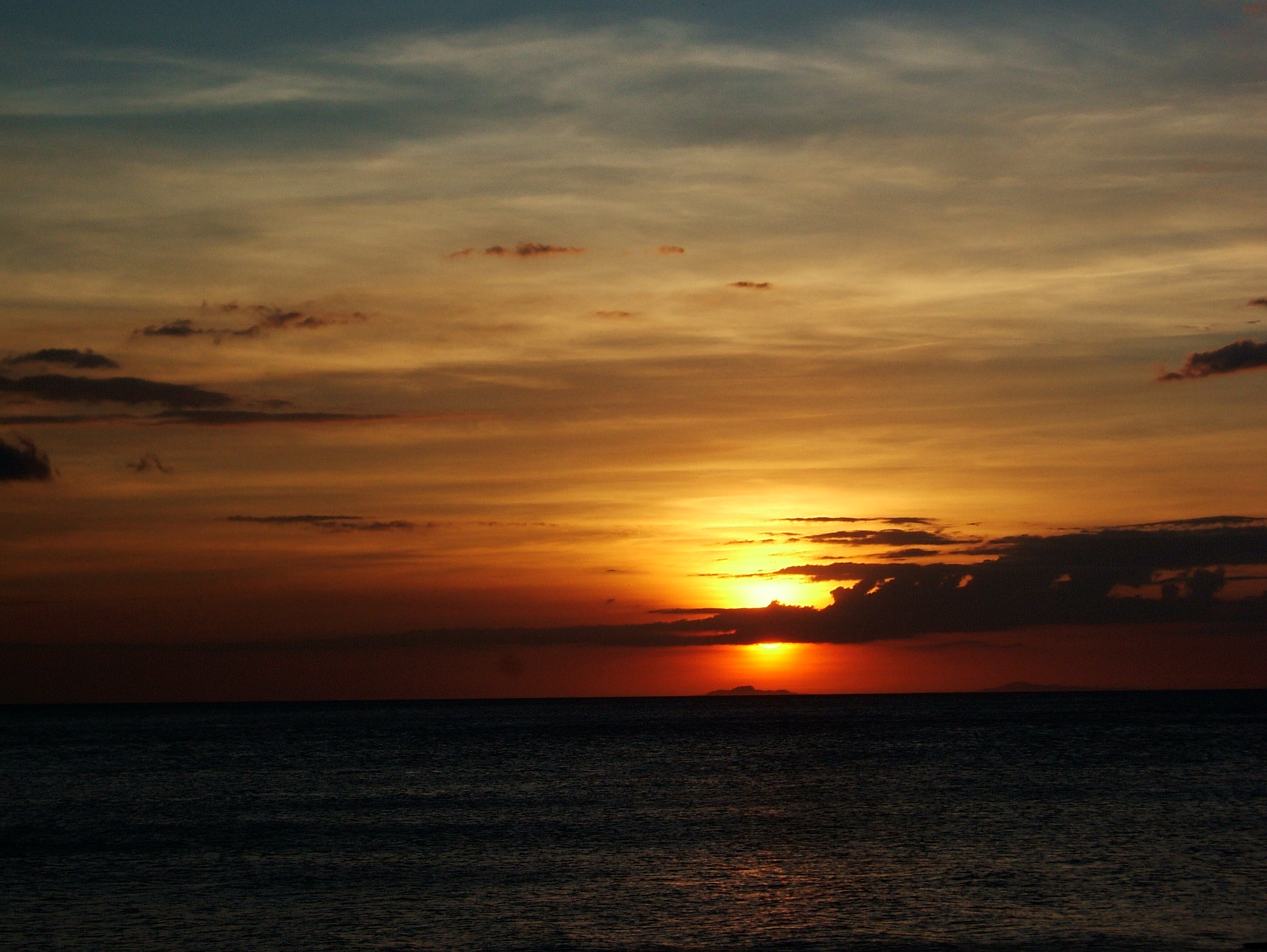 Sunset Philippines Mindoro White Beach 03