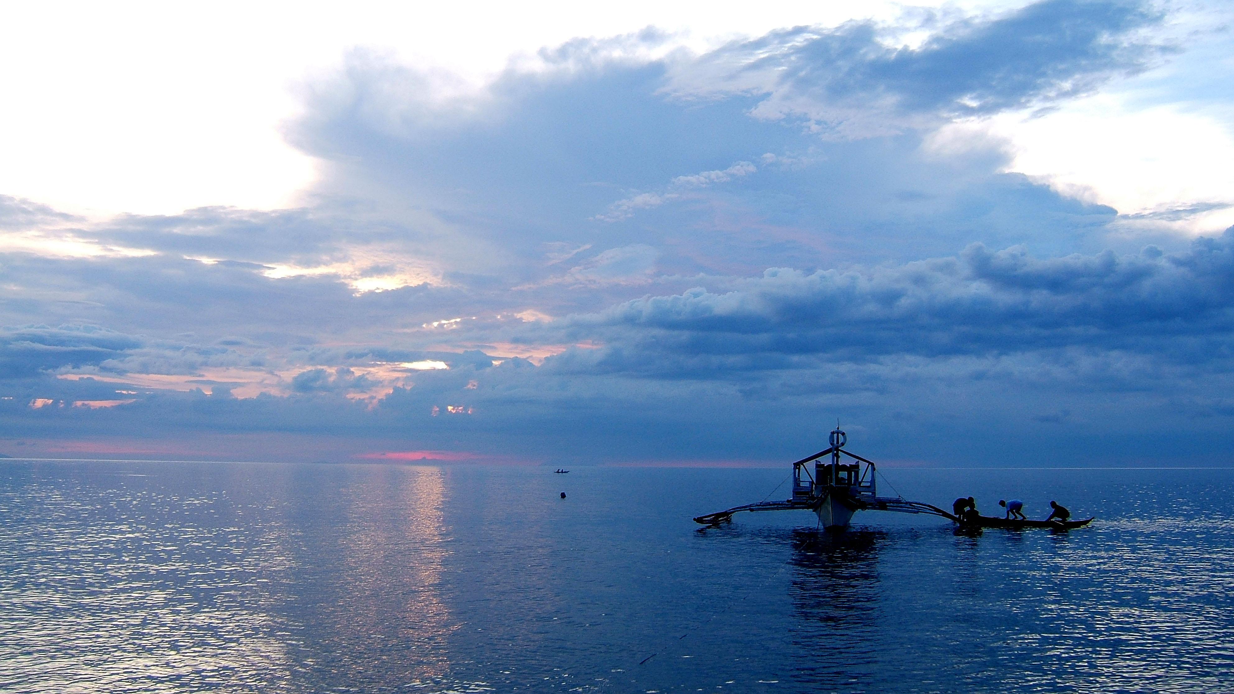 Sunset Philippines Mindoro White Beach 05