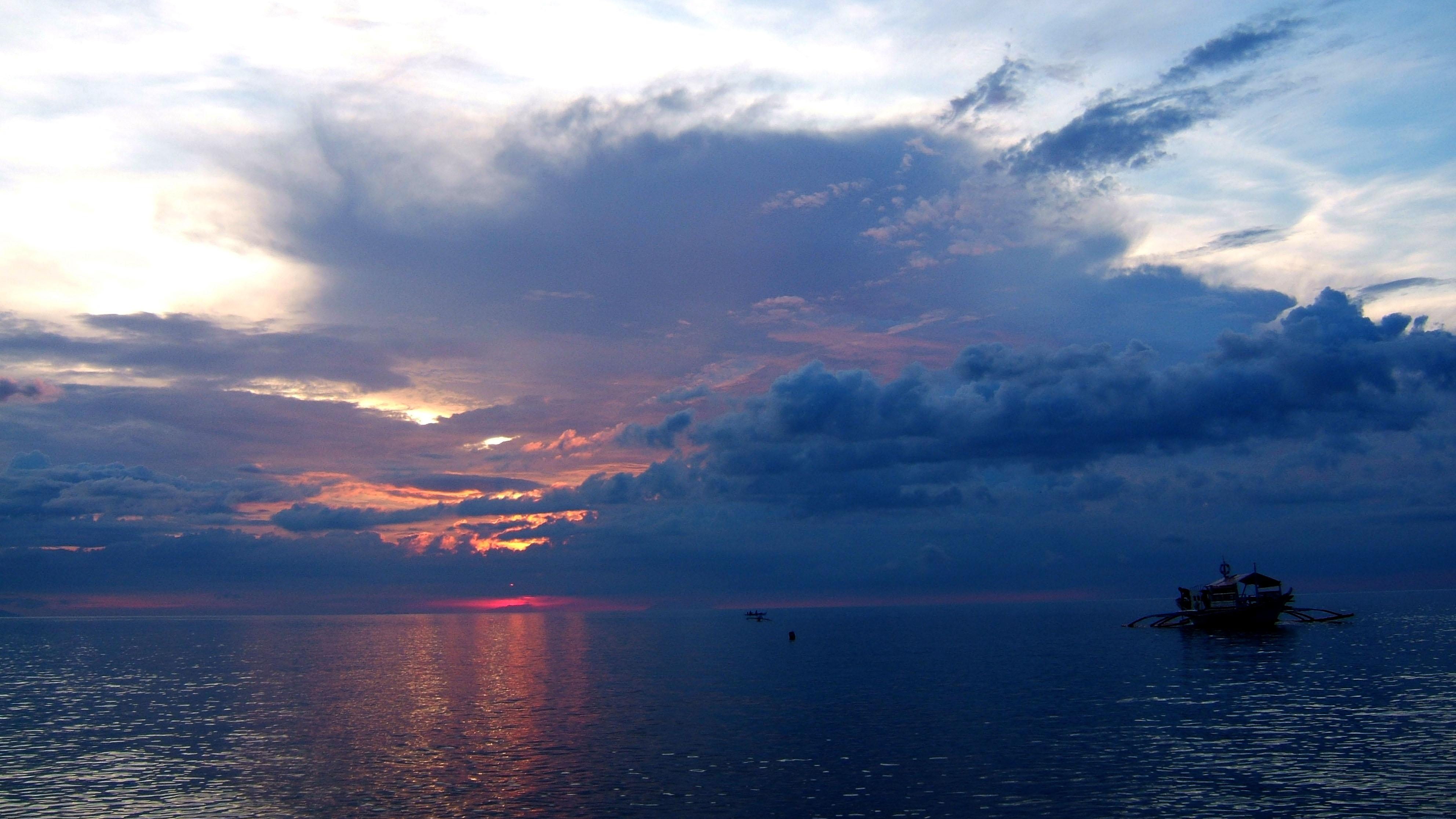 Sunset Philippines Mindoro White Beach 06