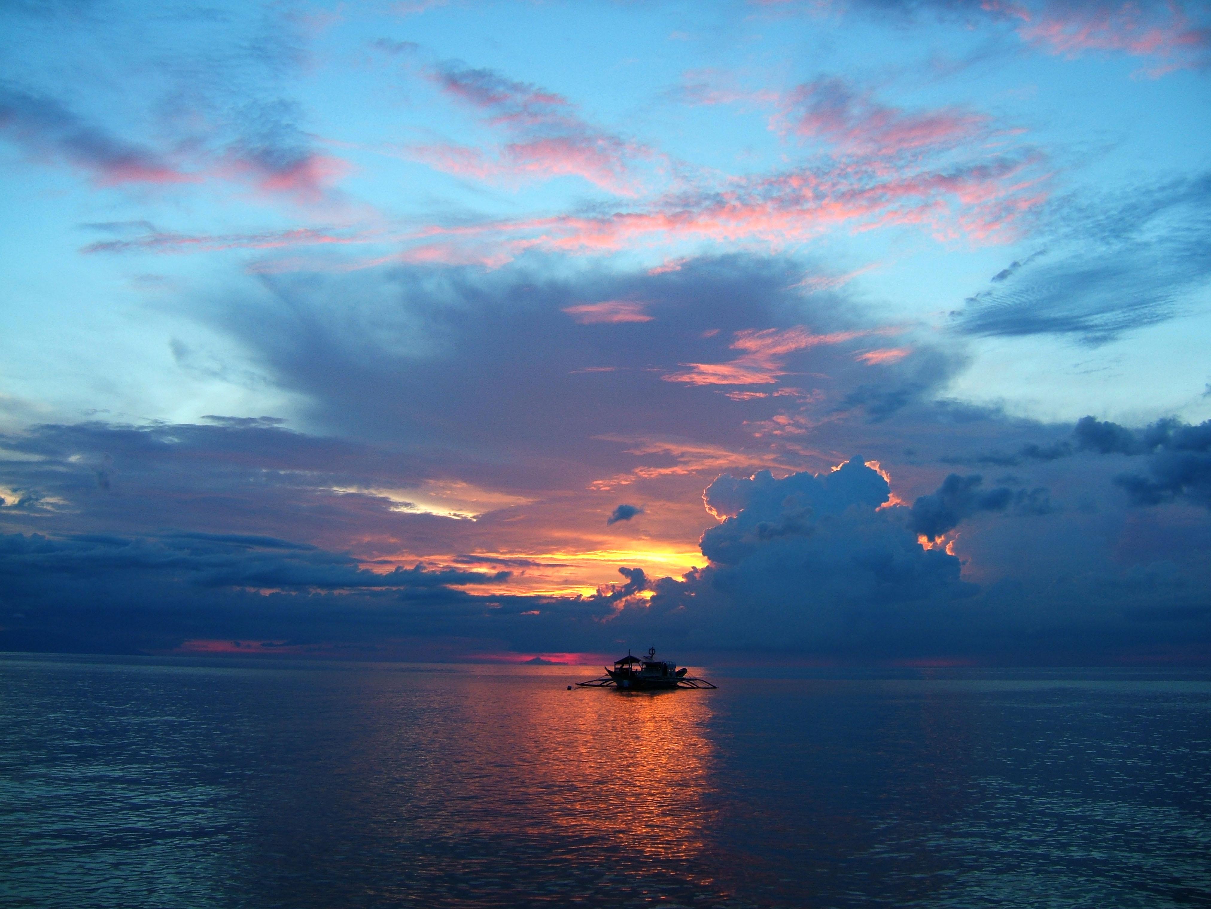 Sunset Philippines Mindoro White Beach 09