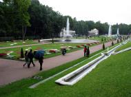 Asisbiz Peterhof Architecture Grand Cascade gardens 01