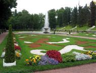 Asisbiz Peterhof Architecture Grand Cascade gardens 02
