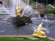 Asisbiz Peterhof Architecture Samson and Lion Fountain 2005 03