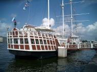 Asisbiz Russia Saint Petersburg Canals 2005 03