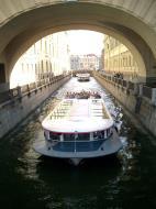 Asisbiz Russia Saint Petersburg Canals 2005 04