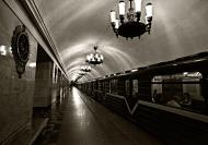 Asisbiz The palatial St. Petersburg Metro system is kepted in immaculate condition July 2012 01