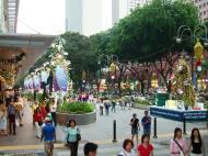 Asisbiz Singapore Orchard Street during Christmas 2004 04