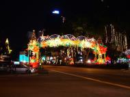 Asisbiz Singapore Orchard Street during Christmas 2004 21