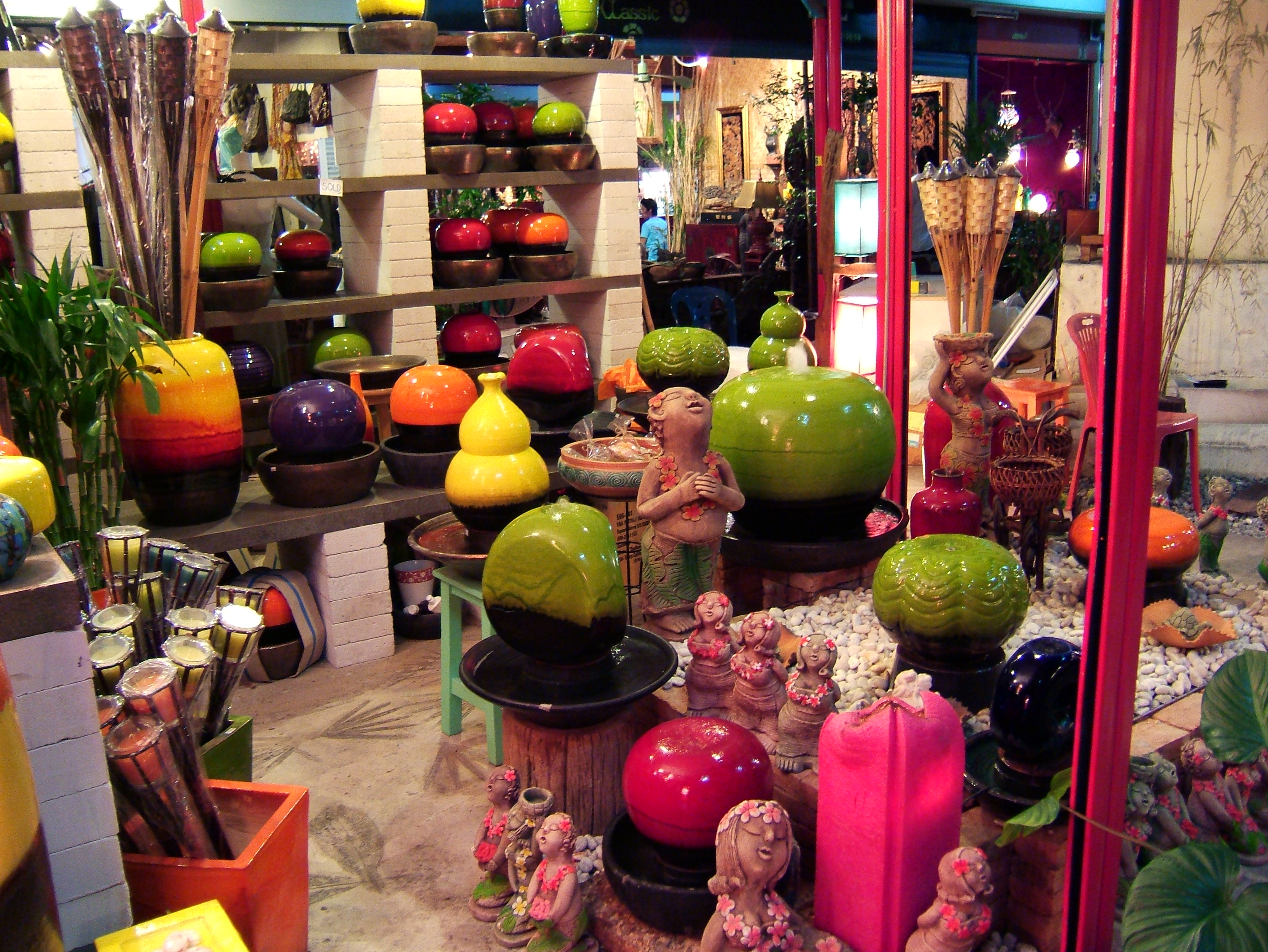 Thailands retail businesses arts and crafts trade Oct 2005 08