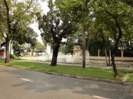 Asisbiz Street scenes fountains Bangkok Thailand 2010 01