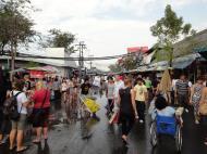 Asisbiz Chatuchak weekend market stalls Bangkok Thailand 2010 02