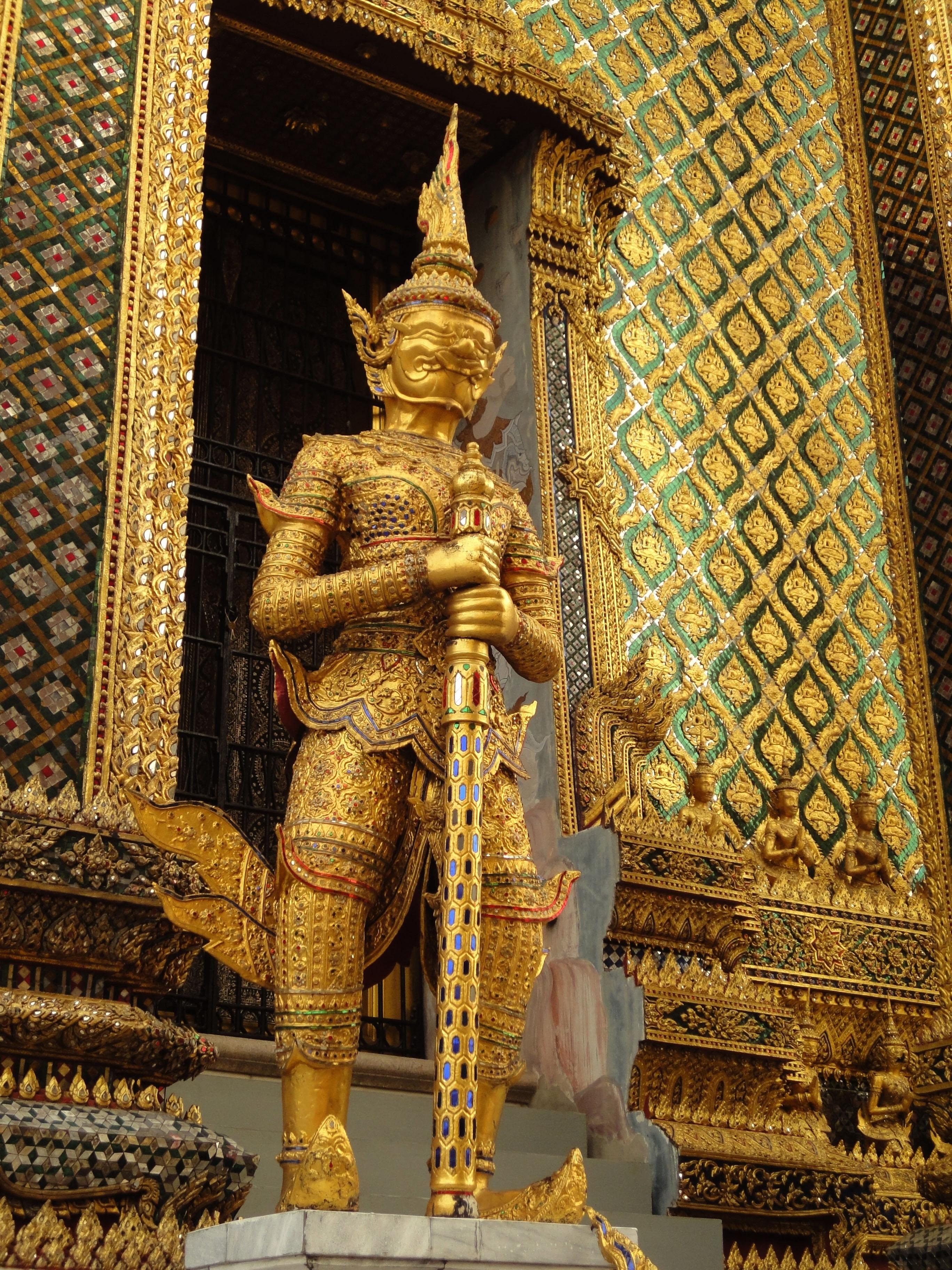 07 Area Grand Palace guardians Bangkok Thailand 02