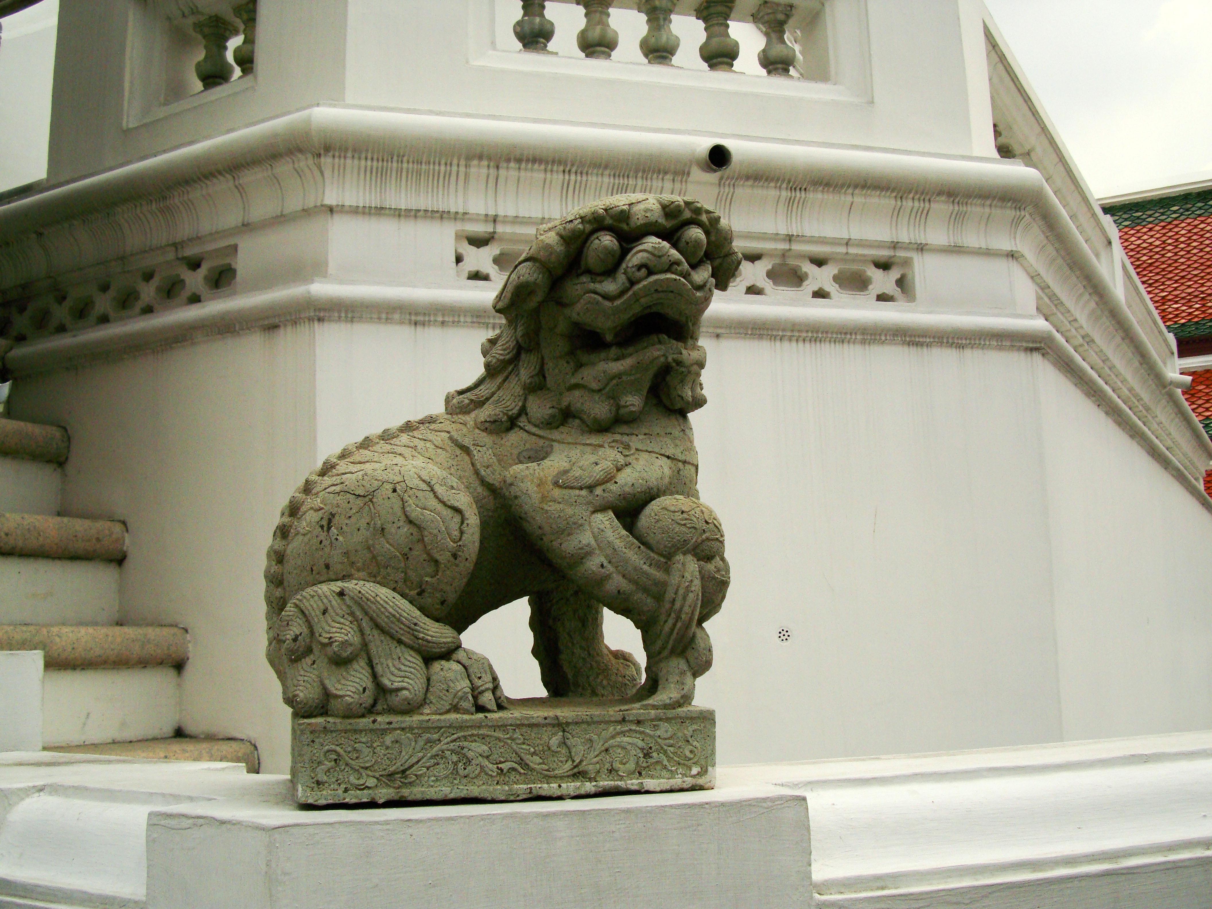 Chinese Lion statues Bangkok Thailand 05