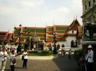 Asisbiz Bronze elephant Bangkok Thailand 04