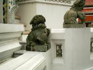 Asisbiz Chinese Lion statues Bangkok Thailand 04