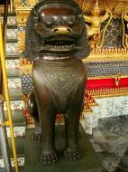 Asisbiz War bounty Cambodian Bronze Lion guardian statue Bangkok Thailand 03