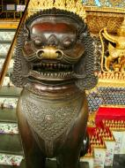 Asisbiz War bounty Cambodian Bronze Lion guardian statue Bangkok Thailand 07