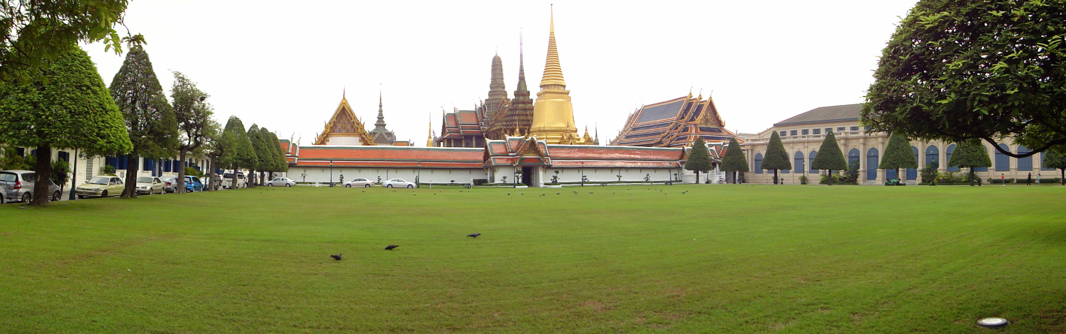00 Viseschaisri Gate views Grand Palace Phra Borom Maha Ratcha Wang 02