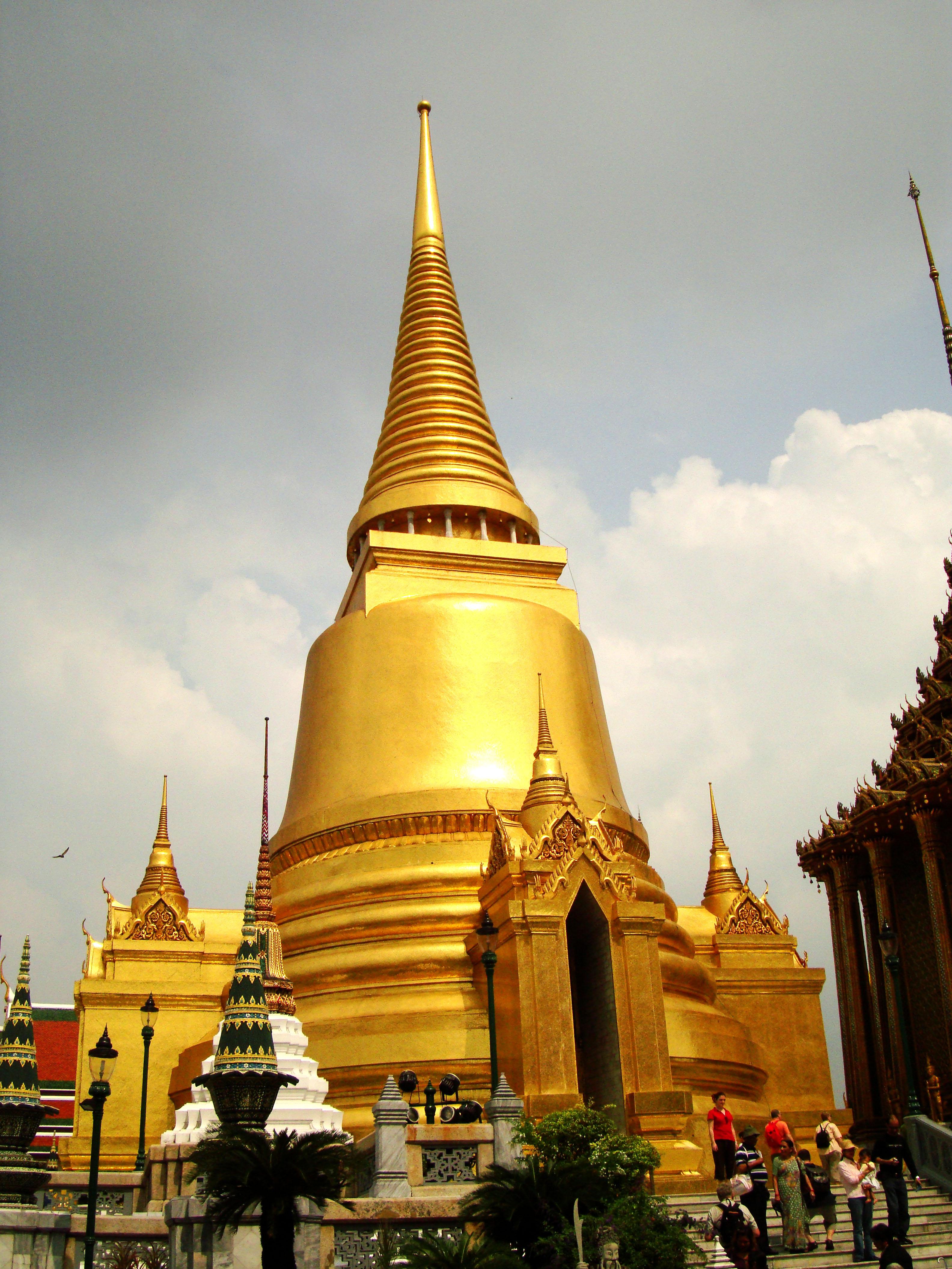 03 Phra Siratana Chedi Grand Palace Bangkok 2010 06