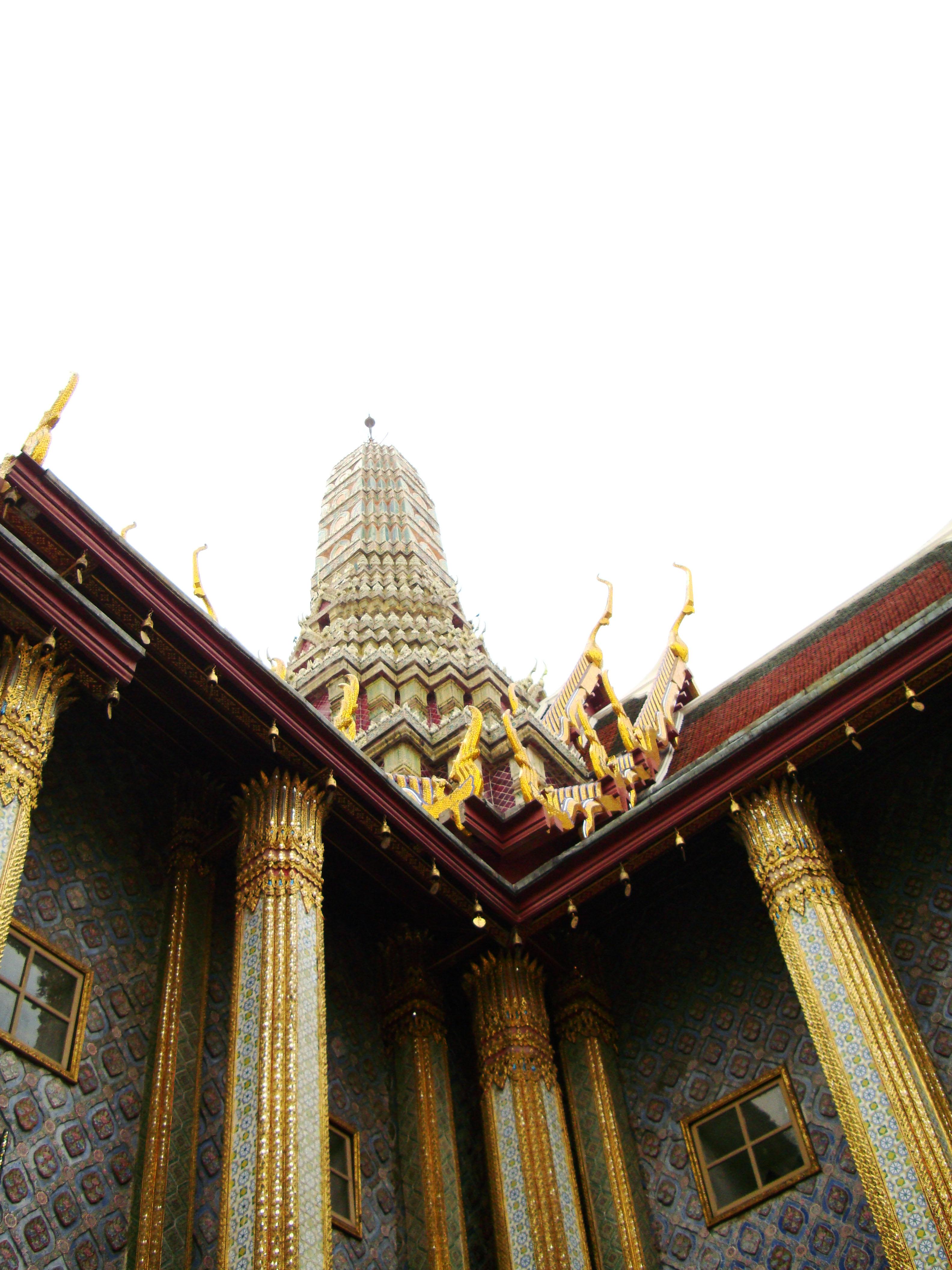 09 Prasat Phra Dhepbidorn intercrit designed walls and pillars Grand Palace 2010 08