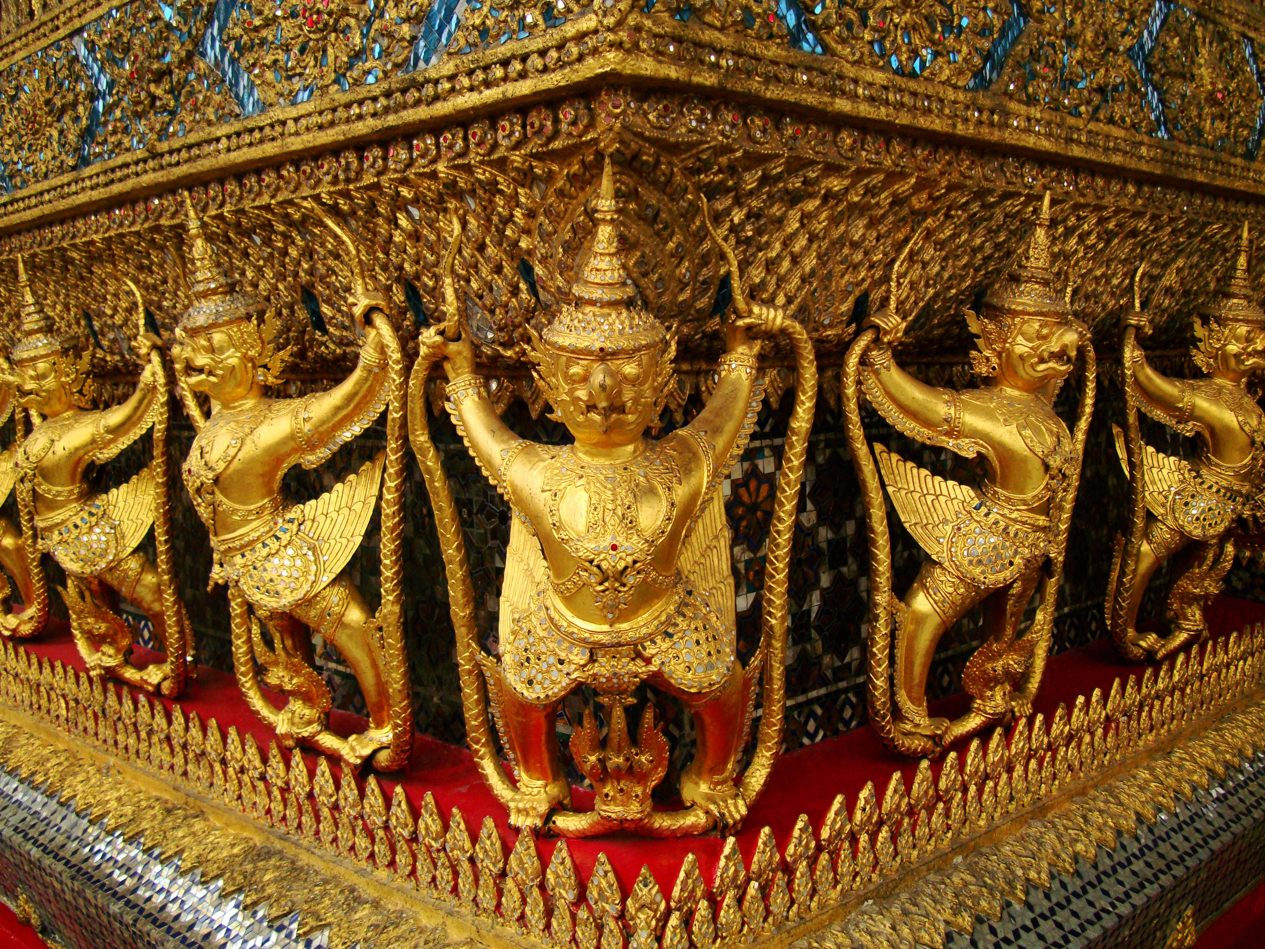 10 Temple of the Emerald Buddha intercrit designed walls pillars Grand Palace 03