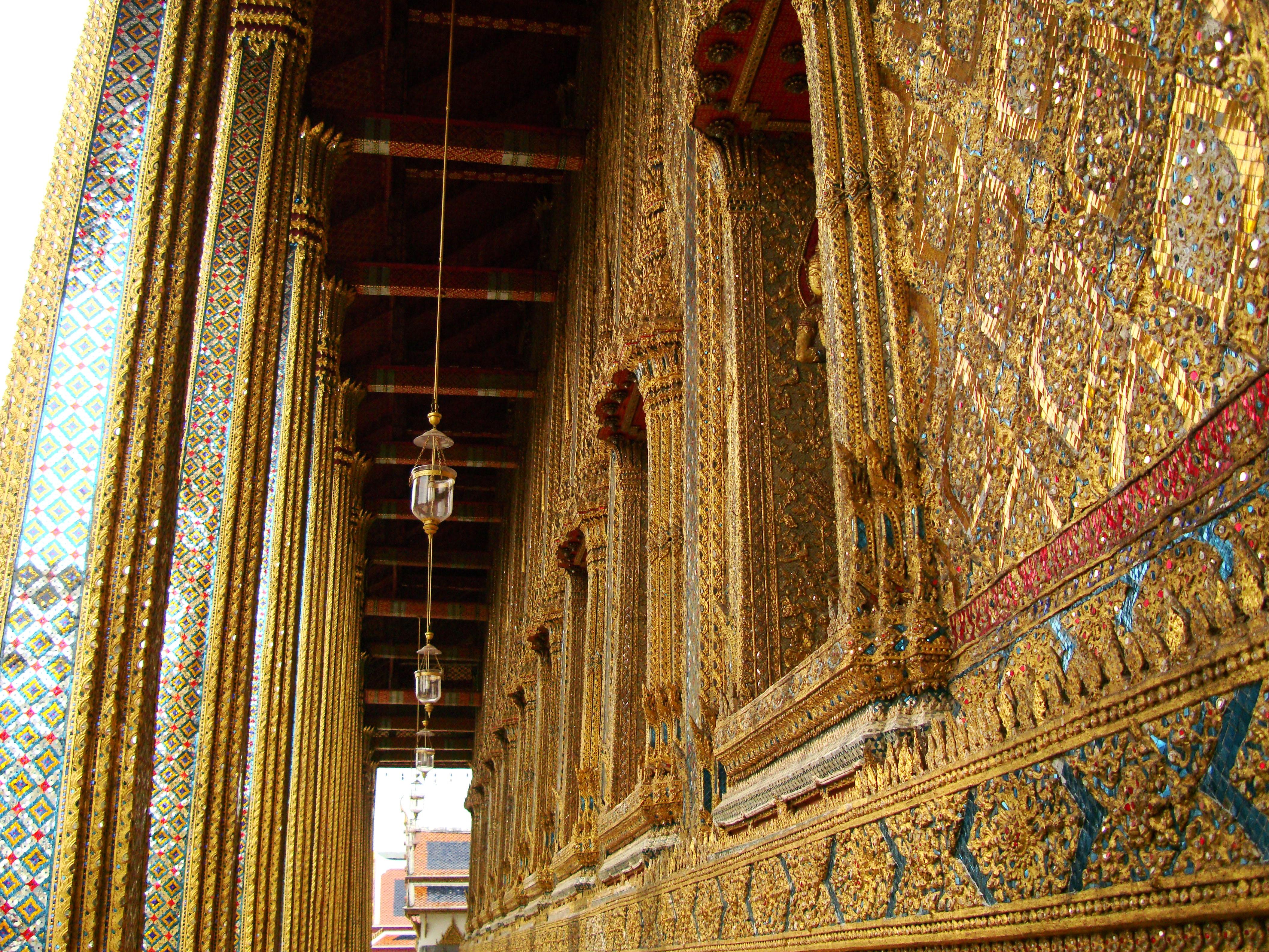 10 Temple of the Emerald Buddha intercrit designed walls pillars Grand Palace 04