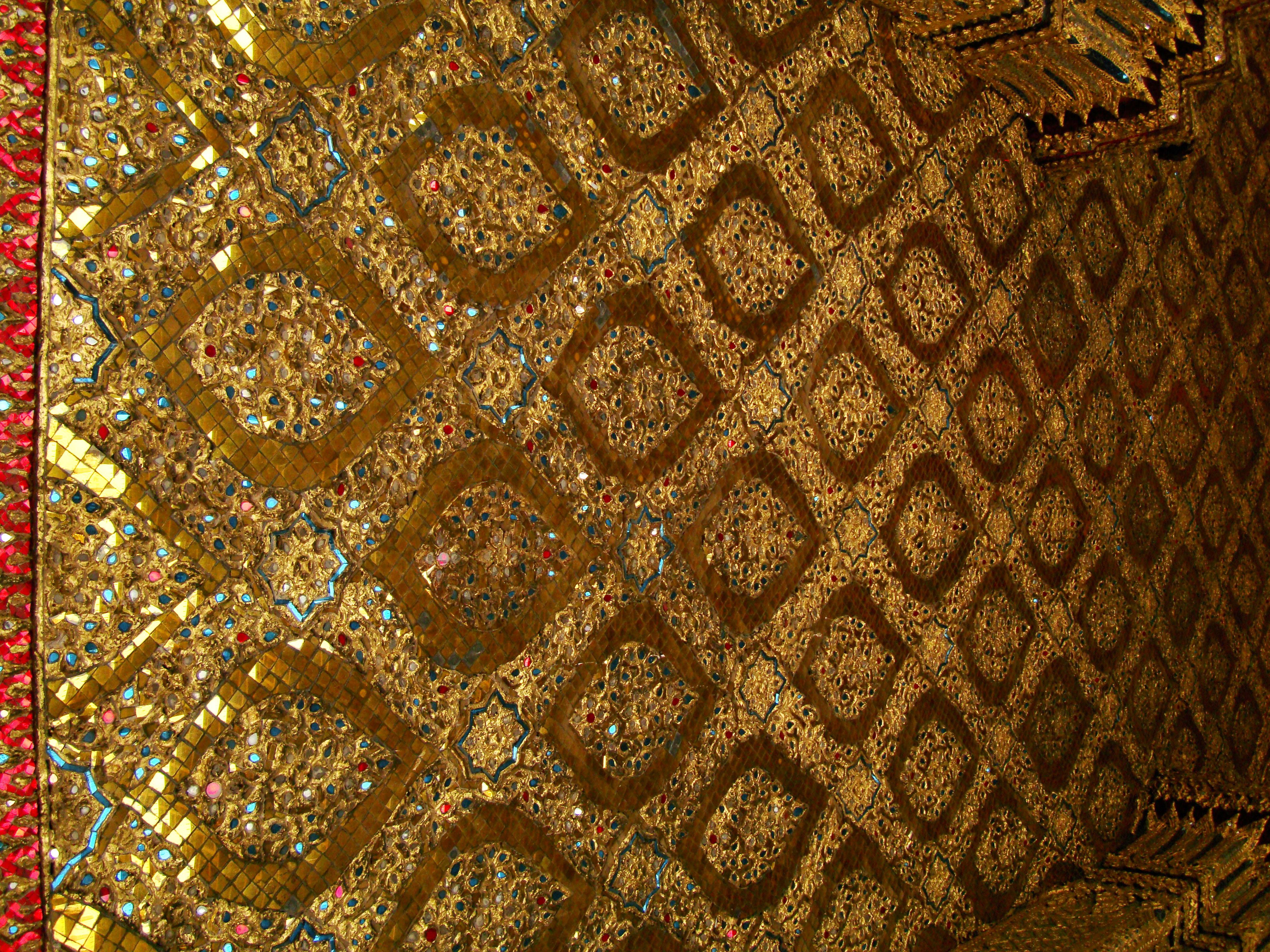 10 Temple of the Emerald Buddha intercrit designed walls pillars Grand Palace 09