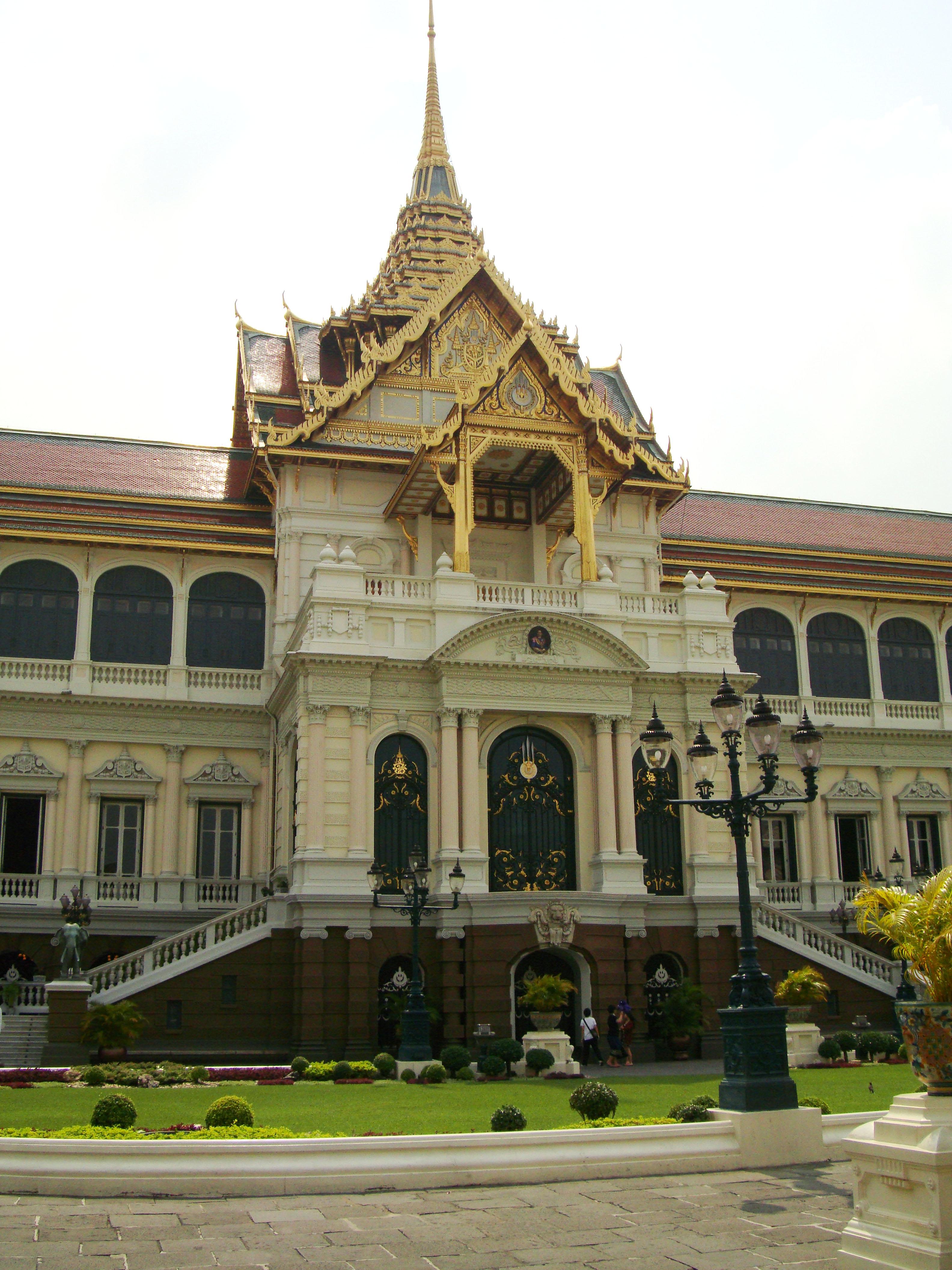 26 Chakri Maha Prasat Hall Grand Palace Bangkok Thailand 05
