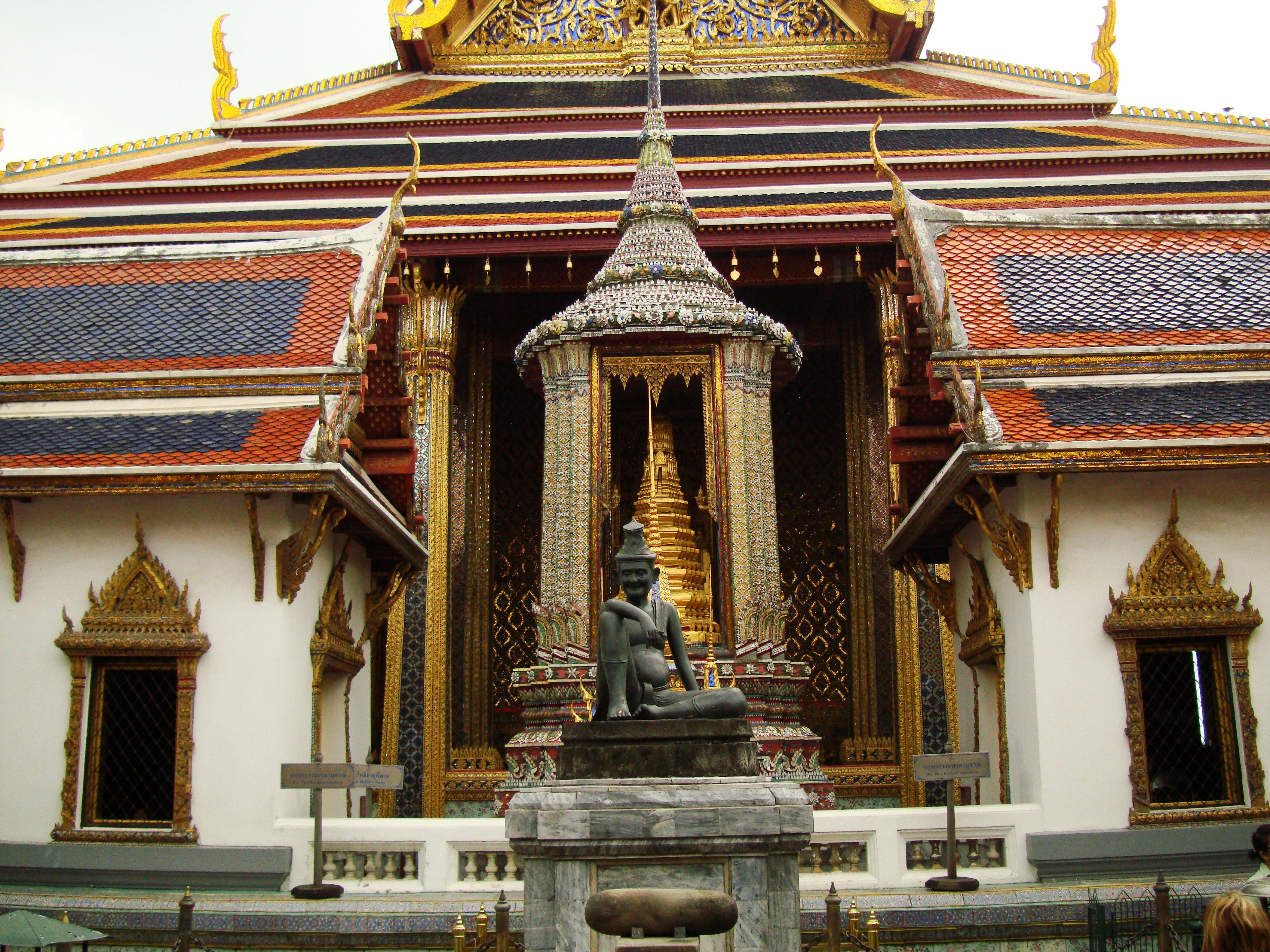 Grand Palace Phra Borom Maha Ratcha Wang Bangkok Thailand 21