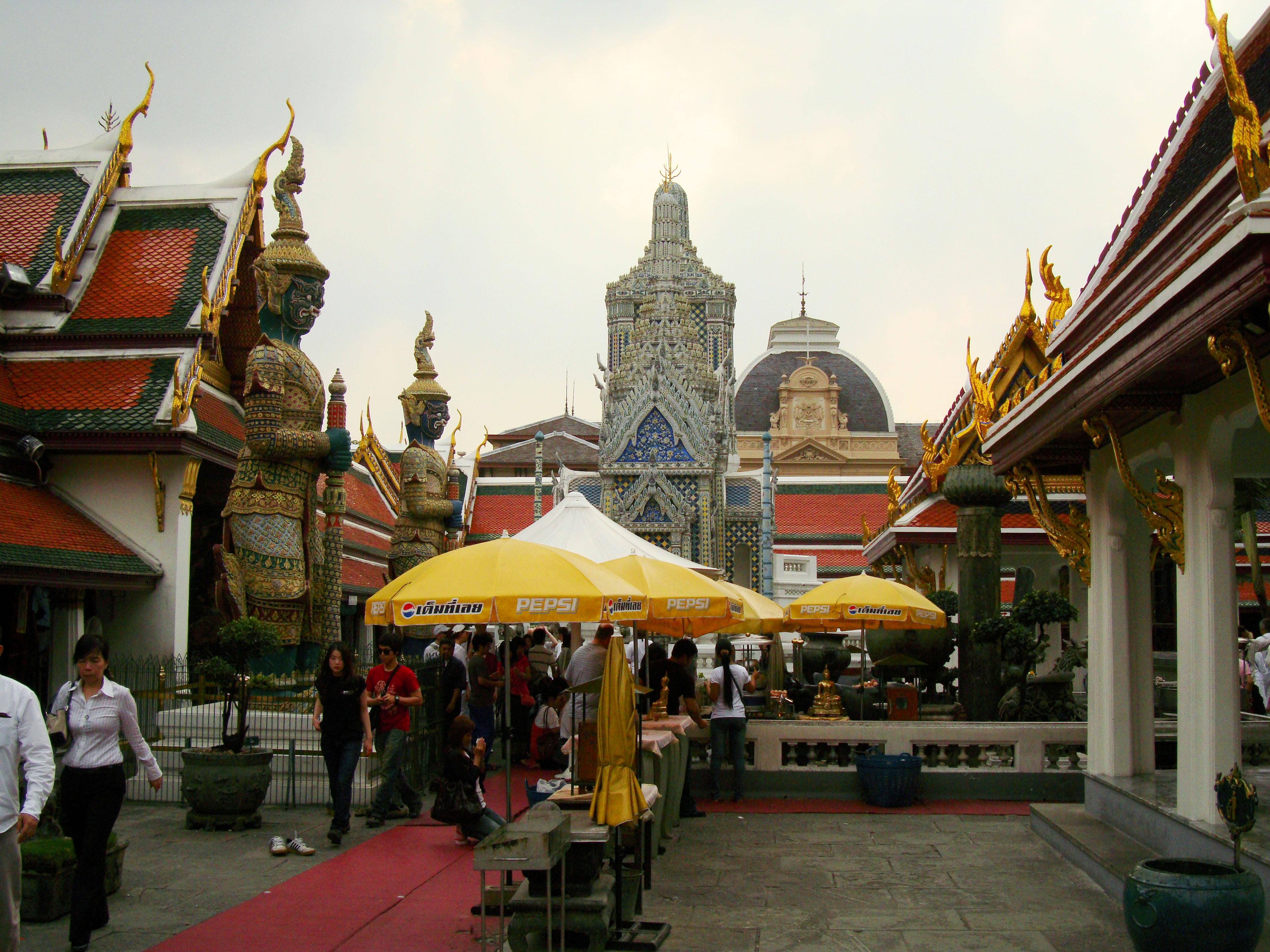 Grand Palace Phra Borom Maha Ratcha Wang Bangkok Thailand 40