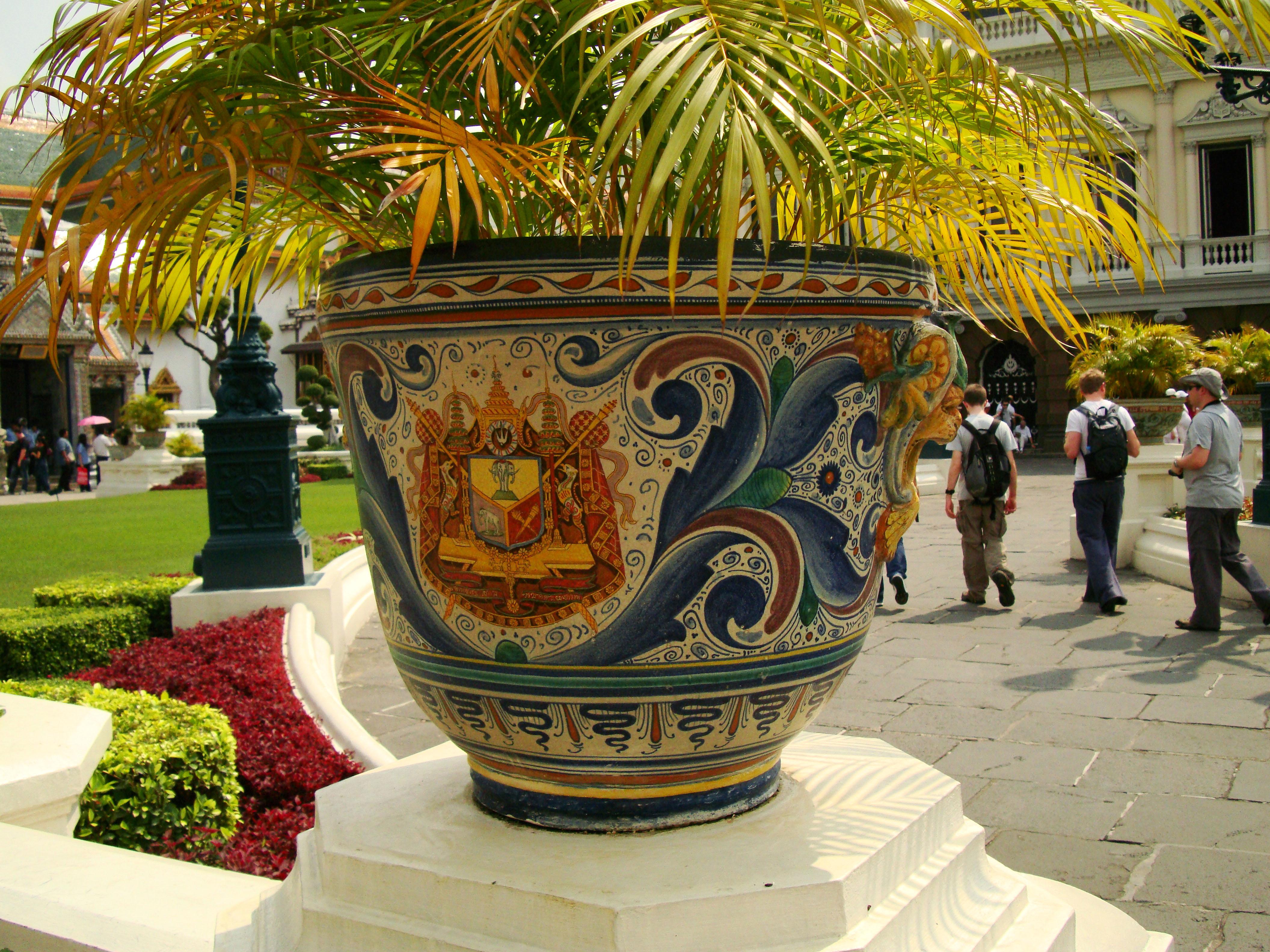 Grand Palace beautifully designed Chinese Mosaic flower pots Bangkok 01
