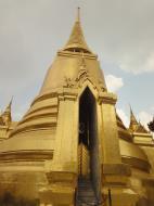 Asisbiz 03 Phra Siratana Chedi Grand Palace Bangkok 2010 05