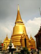 Asisbiz 03 Phra Siratana Chedi Grand Palace Bangkok 2010 06