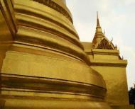 Asisbiz 03 Phra Siratana Chedi Grand Palace Bangkok 2010 09