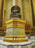 Asisbiz 07 Phra Mondop intercrit designed walls and pillars Grand Palace 2010 06