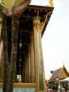 Asisbiz 09 Prasat Phra Dhepbidorn intercrit designed walls and pillars Grand Palace 2010 01