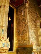 Asisbiz 10 Temple of the Emerald Buddha intercrit designed walls pillars Grand Palace 06