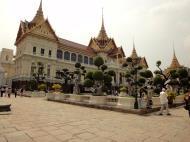 Asisbiz 26 Chakri Maha Prasat Hall Grand Palace Bangkok Thailand 01