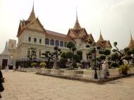Asisbiz 26 Chakri Maha Prasat Hall Grand Palace Bangkok Thailand 02