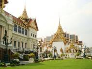 Asisbiz 26 Chakri Maha Prasat Hall Grand Palace Bangkok Thailand 06