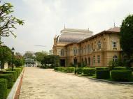 Asisbiz Borom Phiman Mansion Grand Palace Bangkok Thailand 01