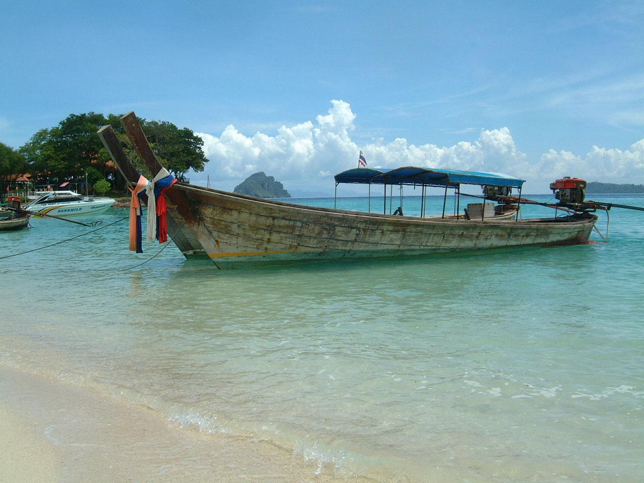 Thailand Phi Phi Island panoramic scenes Mar 2003 01
