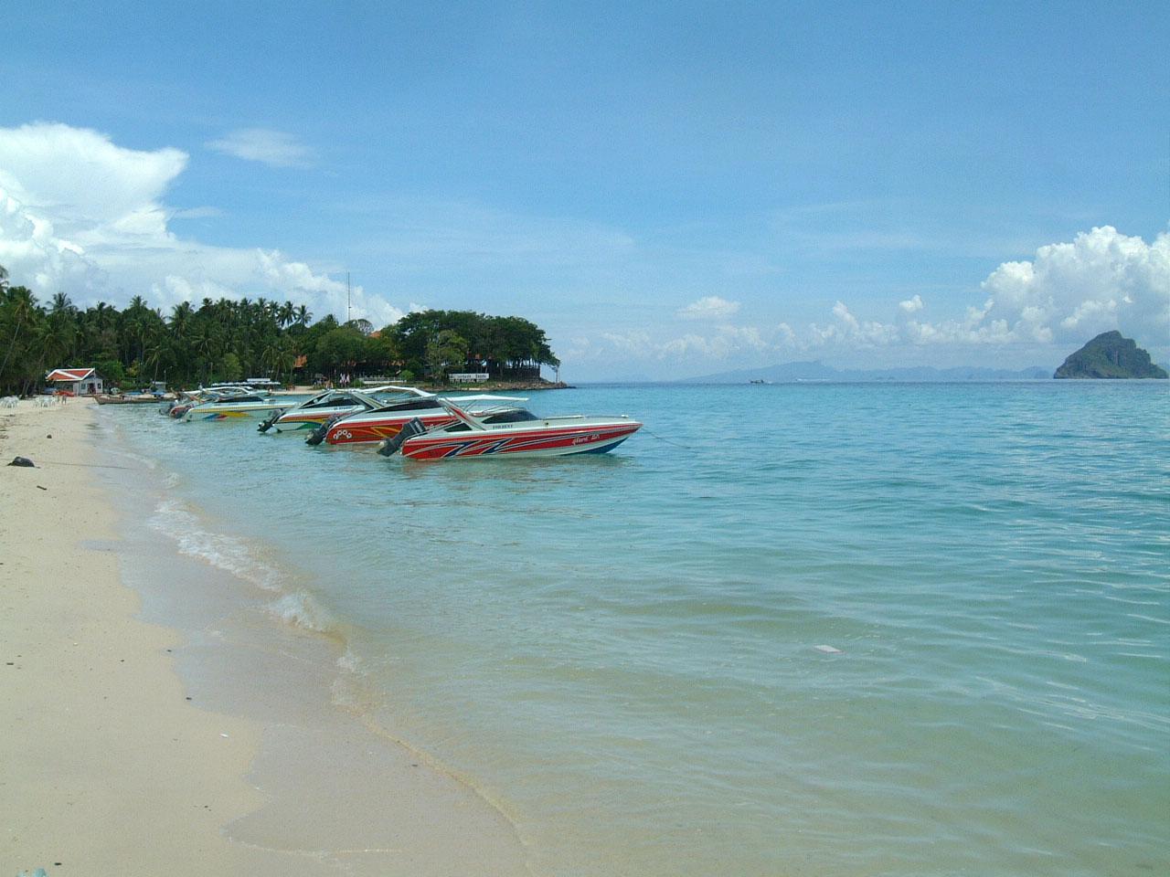Thailand Phi Phi Island panoramic scenes Mar 2003 03